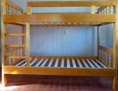 Представляем вашему вниманию детские кровати для детей от 5-10 лет. . Небольшие кровати из натурального дерева